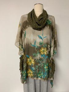 601 poncho with removable scarf